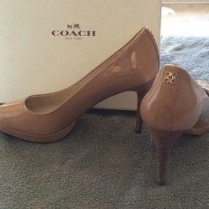 Coach pumps. Light camel. Size 7.5